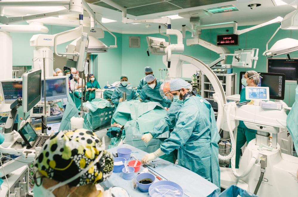 Tumore al rene infiltrato di 20 centimetri, intervento unico nel mondo al Niguarda